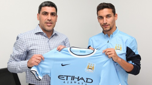 http://thebeastbrief.com/wp-content/uploads/Claudio-and-Navas-happily-pose.jpg